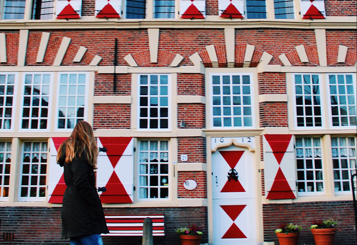 wandelen huis rood stadswandeling