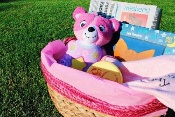 kraammand kraamcadeau baby meisje roze babycadeau babypakket baby