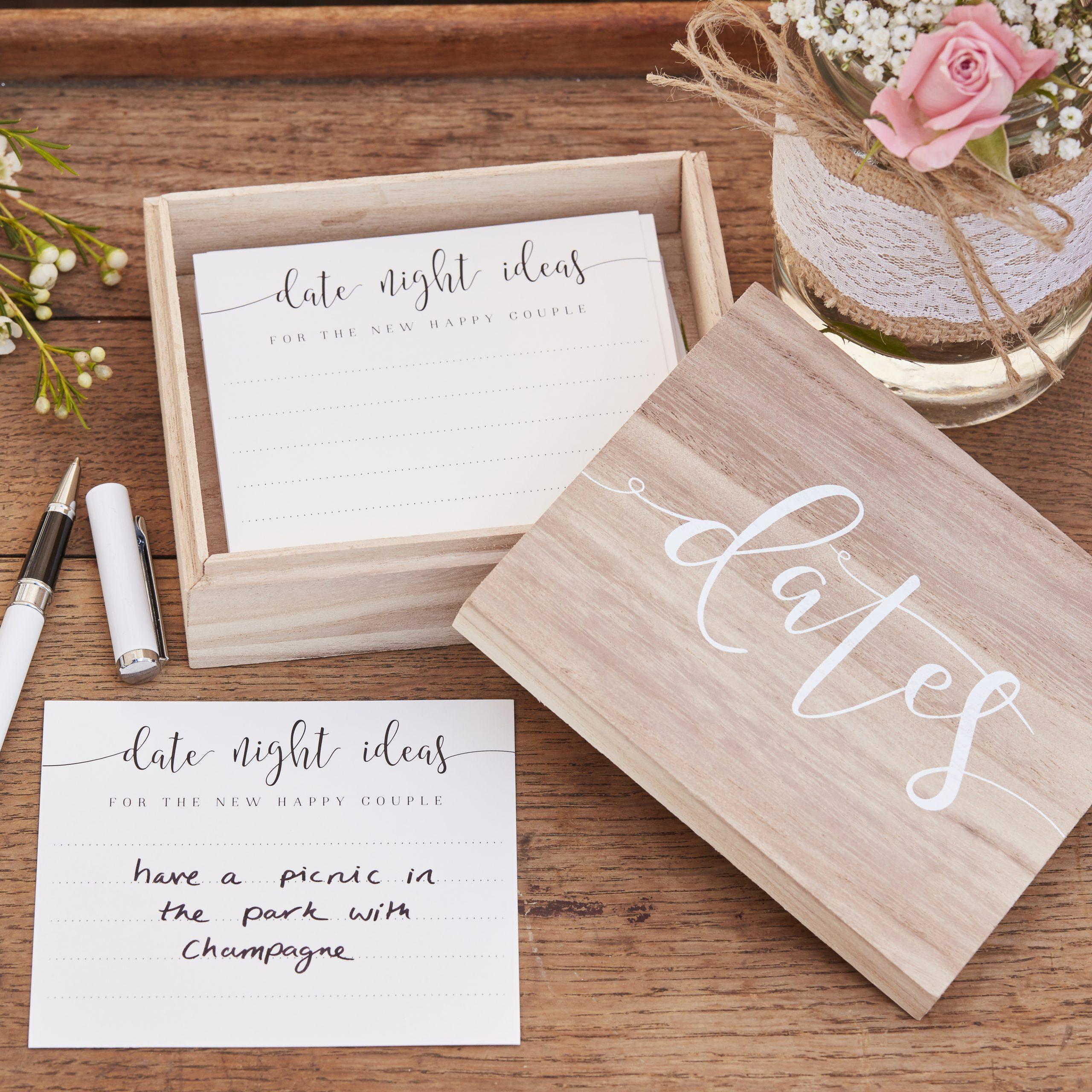 Bruiloft date ideeen alternatief gastenboek ideefabriek houten doosje met kaartjes